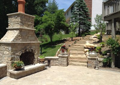 Fritz-Stonework-Landscape-St-Louis-backyard-patio-stairs-fireplace-2