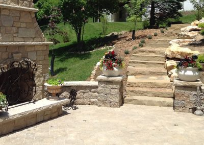 Fritz-Stonework-Landscape-St-Louis-backyard-patio-stairs-fireplace-2-SLIDE