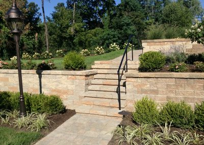 Fritz-Stonework-Landscape-St-Louis-backyard-rock-stairs
