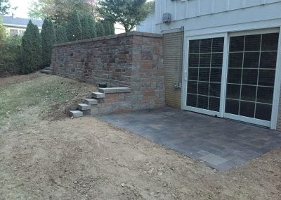Fritz-Stonework-Landscape-St-Louis-retaining-walls--back-walk-out