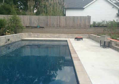 Landscape-St-Louis-grand-outdoor-pool-features2